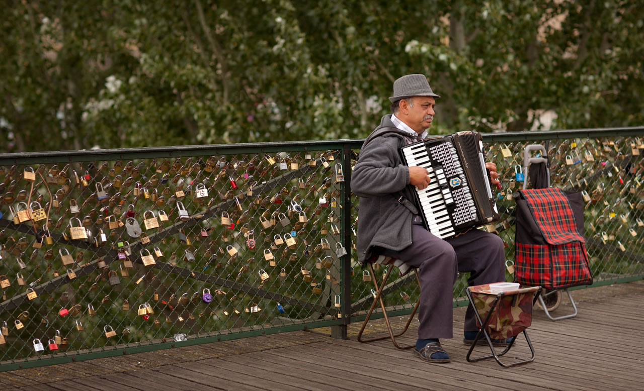 Accordian player at The Love Locks bridge, Europe, Seine, Paris - Ginger Wagoner, Photographer, Photosynthesis